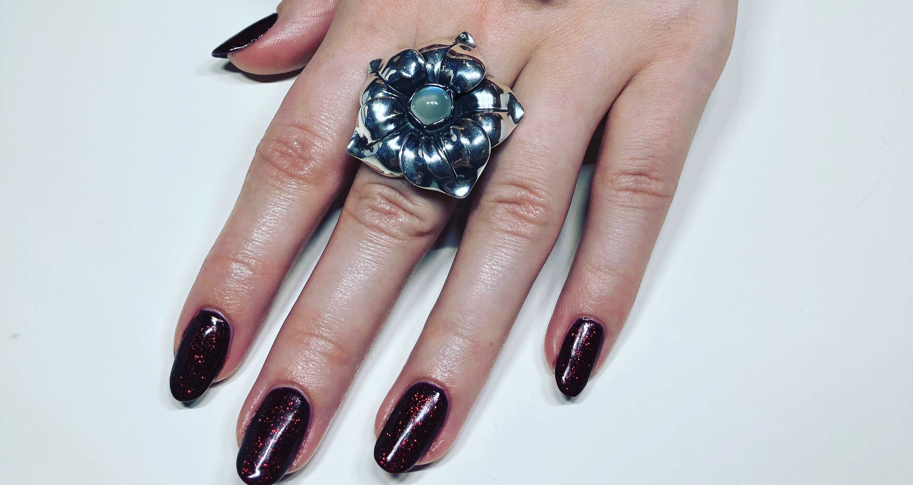 Mini Manicure med Shellac - pris nov+dec